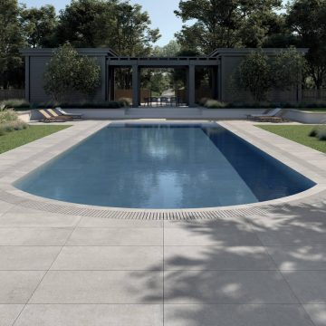 progettazione-piscina-effetto-pietra-1